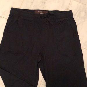 Black brown 1826 men's black pyjama bottoms.
